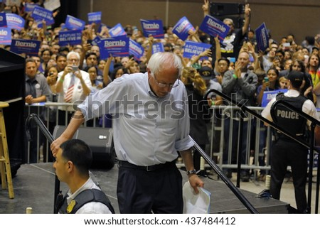 MODESTO, CA- JUNE 02, 2016: Democratic Presidential Candidate Bernie Sanders steps off press stand at a Presidential campaign rally at Modesto Centre Plaza, Modesto, CA.Ã??
