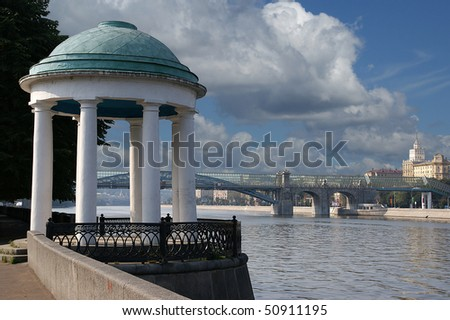 Moscow, Russia, arbor in the form of a rotunda on the bank of the Moskva River - stock photo