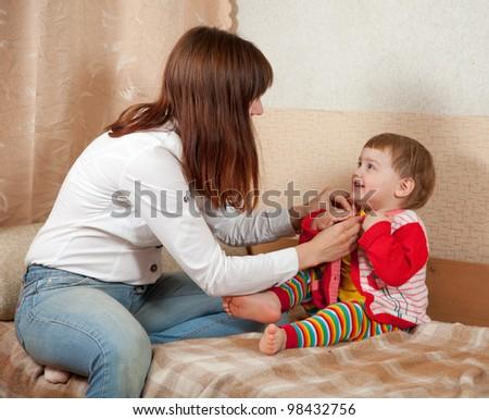 сын застал маму с братом