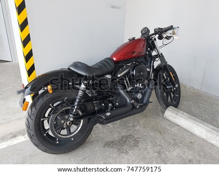Motorcycle Sportster Iron 883
