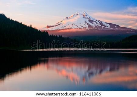 Mount hood view from Trillium lake, oregon, USA, america - stock photo