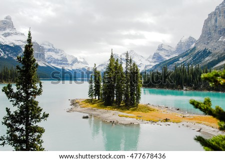 Mount Robson, Highest Mountain in Canadian Rockies, Canada