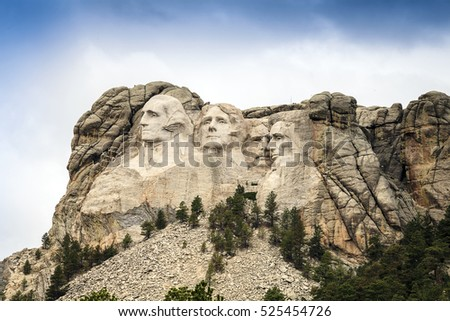 Mount Rushmore National Memorial Park in South Dakota, USA. Sculptures of former U.S. presidents; George Washington,Thomas Jefferson,Theodore Roosevelt and Abraham Lincoln.
