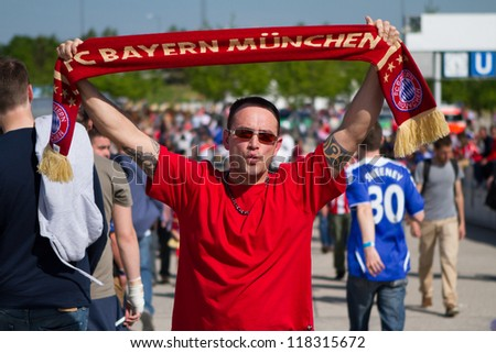 MUNICH, GERMANY - MAY 19: FC Bayern Muenchen supporters at Aliance Arena before UEFA Champions League Final between FC Bayern Muenchen and Chelsea FC on May 19, 2012 in Munich, Germany