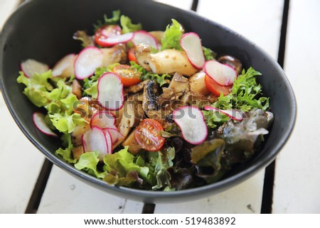mushroom salad healthy food