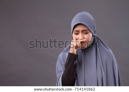 https://thumb9.shutterstock.com/display_pic_with_logo/622783/714141862/stock-photo-muslim-woman-catching-a-cold-runny-nose-714141862.jpg