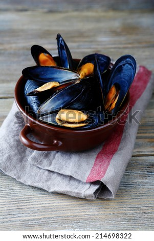 Mussels in the shell, delicious and spicy - stock photo