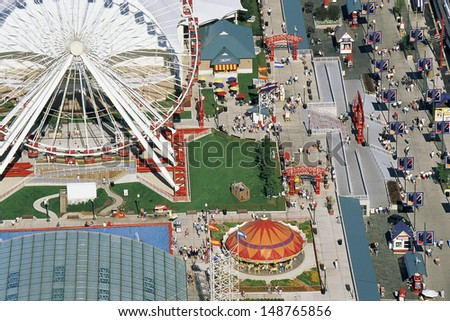 NAVY PIER, CHICAGO, IL - CIRCA 1999: Aerial view of amusement park in Chicage, IL - stock photo