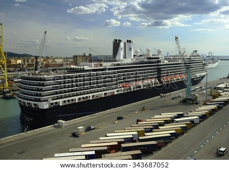 New Amsterdam - Holland America Line - in Livorno - September 2015