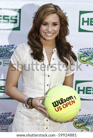 NEW YORK - AUGUST 28: Singer Demi Lovato arrives at Arthur Ash stadium for Kids Day at US Open August 28, 2010 in New York City