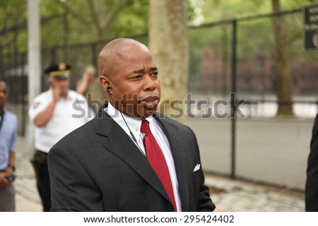 NEW YORK CITY - JULY 9 2015: Mayor Bill de Blasio hosted a press conference at the Sheepshead Houses to announce that NYCHA policy of removing sidewalk shedding in the absence of construction.