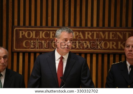 NEW YORK CITY - OCTOBER 21 2015: Mayor de Blasio & commissioner Bratton led a press conference about the killing of officer Randolph Holder by Tyrone Howard. Mayor Bill de Blasio - stock photo
