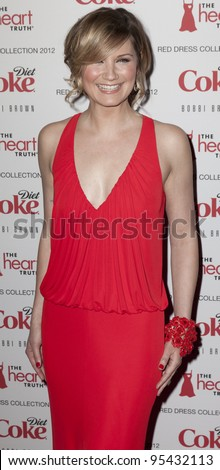NEW YORK - FEBRUARY 08: Jennifer Nettles attends the Heart Truth Red Dress Collection 2012 fashion show at Hammerstein Ballroom at Manhattan Center in Manhattan on February 08, 2012 in New York.