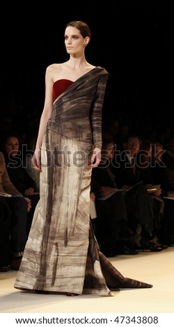 NEW YORK - FEBRUARY 15: Model walks the runway for Carolina Herrera Collection at Fall 2010 during Mercedes-Benz Fashion Week on February 15, 2010 in New York