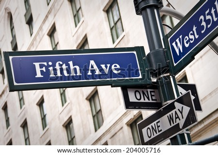 New York Fifth avenue street sign post