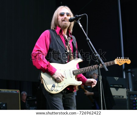 tom petty stock images royalty free images vectors shutterstock. Black Bedroom Furniture Sets. Home Design Ideas