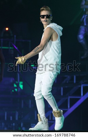 NEW YORK - NOV 28: Justin Bieber performs at Madison Square Garden on November 28, 2012 in New York City.
