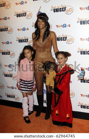 NEW YORK - OCTOBER 13: Model Veronica Webb and family attend the 60th Anniversary of Trick-or-Treat for UNICEF at The Xchange on October 13, 2010 in New York City.