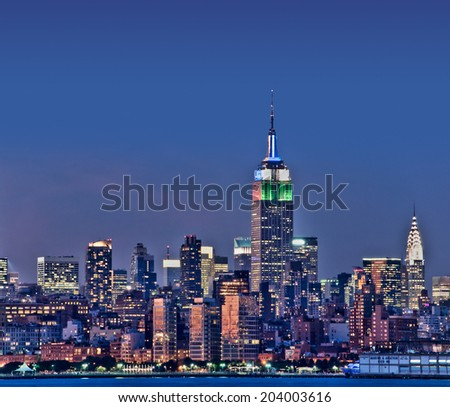New York skyline with the Empire State Building at night