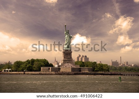 New York, The Statue of Liberty, USA