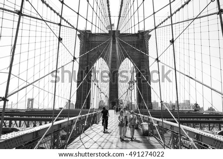 New York, United States in America - 07.08.2014: Brooklyn bridge in black and white