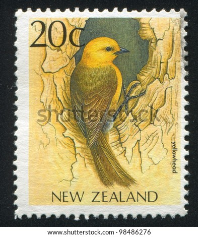 NEW ZEALAND - CIRCA 1988: stamp printed by New Zealand, shows Yellowhead, circa 1988
