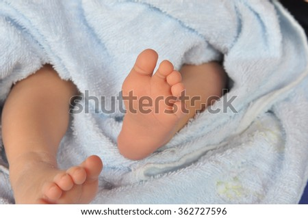 newborn baby feet,Photo of newborn baby feet,soft focus