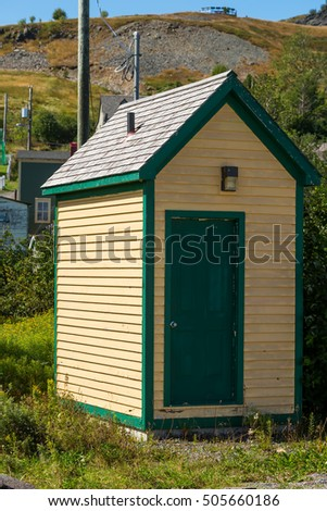 Nicely finished outhouse / utility shed