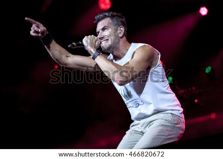 Nick Hexum of 311 performing at Austin360 Amphitheater (Circuit of The Americas') on 08/05/2016 for Unity Tour.