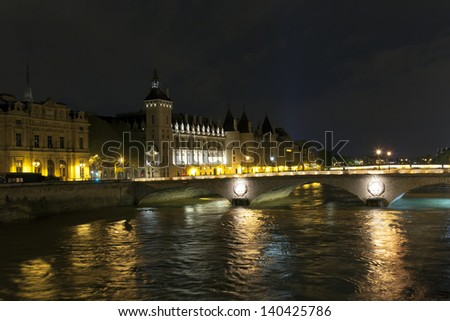 Night Paris. River Seine