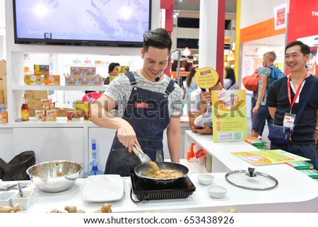 Demonstration Cooking cooking demonstration stock images, royalty-free images & vectors