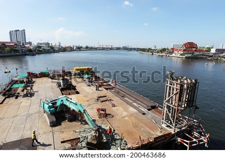NONTHABURI -THAILAND - MAY 31 : Concrete bridge across Chaophraya river under-construction of its deep long pile foundation on May 31, 2014 in Nonthaburi, Thailand