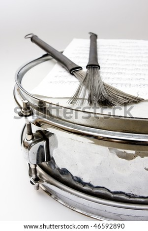 notes and snare drum