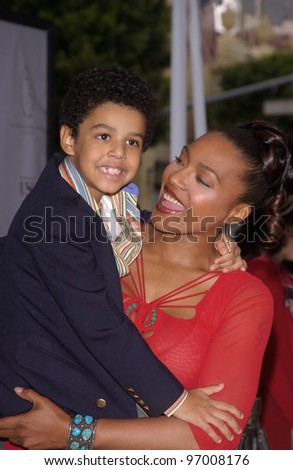 Nov 7, 2004; Los Angeles, CA; Actress NONA GAYE & son NOLAN at the Hollywood premiere of her new movie Polar Express.