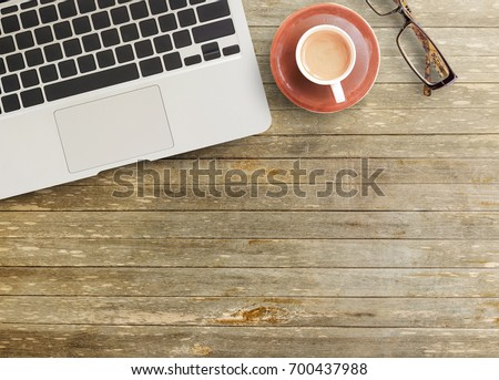 top office table cup. Delighful Table Office Desk  Top View Of Brown Wooden Office Table With Cup  Coffeeglasses In Table Cup