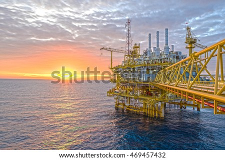 Oil and Gas business in Thailand, Central processing platform treated gas and oil then sent to onshore refinery. HDR Process.