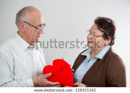 photos images couple love showing heart