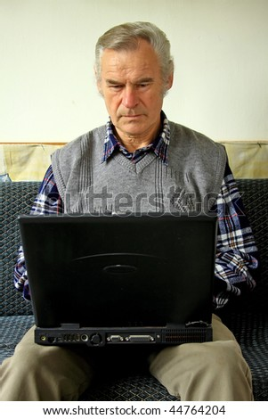 Old, retired man acquainted with the Internet