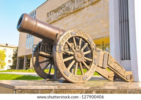 Old Russian smoothbore cannon «Licorne» of 1814, a hybrid between the howitzers and guns. - stock photo