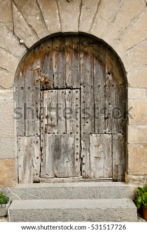Old Wooden Door - Ainsa - Spain