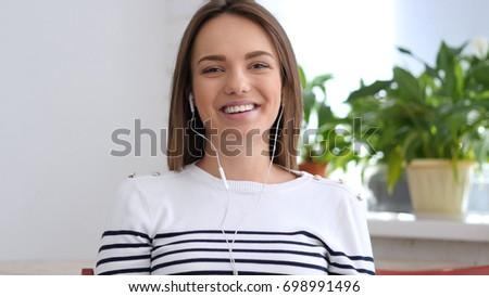 talk to girls online webcam
