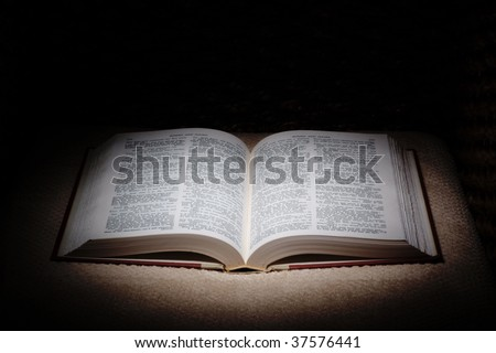 Open Old book whit black background