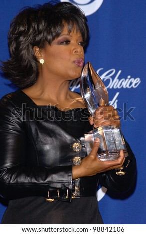 OPRAH WINFREY at the 30th Annual People's Choice Awards in Pasadena, CA. January 11, 2004  Paul Smith / Featureflash - stock photo
