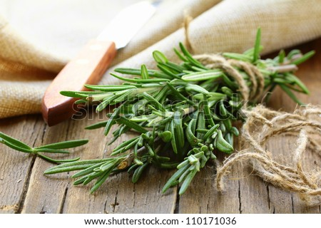 9 Mediterranean herbs and spices to add to your pantry (or