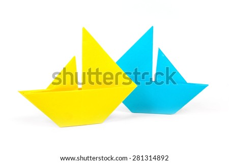 origami boats isolated