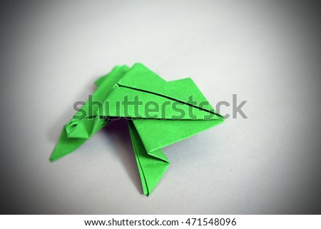 origami frog made from paper