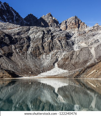 orning view from the village of Gokyo on the lake Dudh Pokhari - Nepal, Himalayas