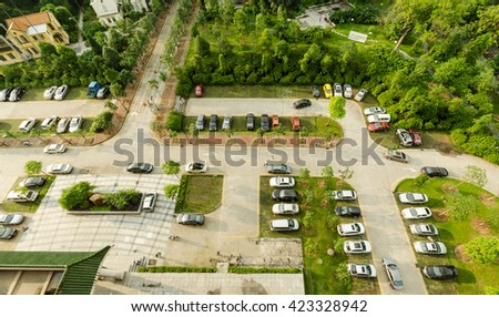Overhead parking lot