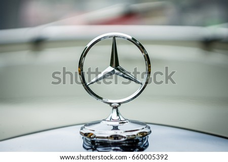 "PAAREN IM GLIEN, GERMANY - JUNE 03, 2017: The famous three-beam star of Mercedes-Benz. Hood ornament, close-up. Exhibition ""Die Oldtimer Show""."