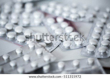Packing of white tablets.